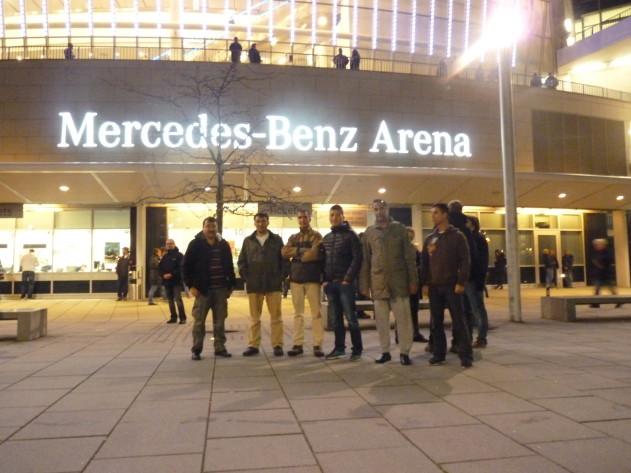 Vor der Arena